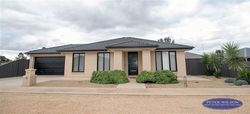 12 Rivertown Grove, Cobram  Vic  3644