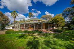 UNDER OFFER: 87 Kinnairds Road, Numurkah